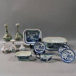 Twelve Assorted Chinese Export and Japanese Porcelain Items
