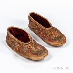 Cree Silk-embroidered Hide Moccasins