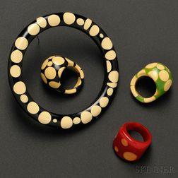 Four Polka Dot Bakelite Jewelry Items