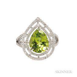 18kt Gold, Peridot, and Diamond Ring