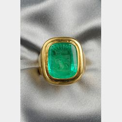 18kt Gold and Emerald Intaglio Ring