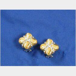 18kt Gold Earclips