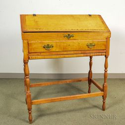 William and Mary-style Maple Schoolmaster's Desk-on-frame