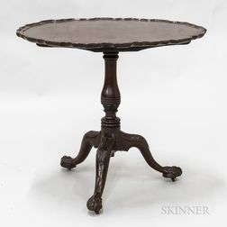 Georgian Carved Mahogany Dished Piecrust Tilt-top Tea Table