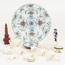 Small Group of Glass and Ceramic Decorative Items