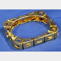 18kt Yellow Gold Rectangular Bracelet.