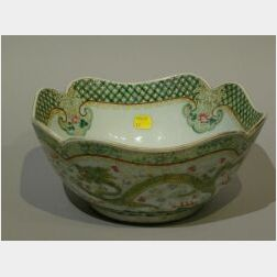 Chinese Export Porcelain Bowl with Dragons.