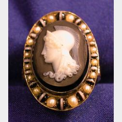 Antique 14kt Gold and Agate Ring