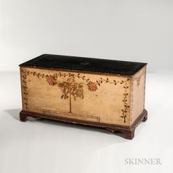 Paint-decorated Poplar Six-board Chest