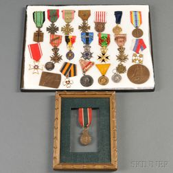 Twenty-three French and Polish WWI and WWII Medals