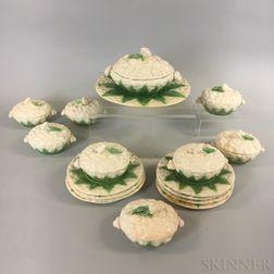 Seventeen-piece Portuguese Majolica Ceramic Cauliflower Set