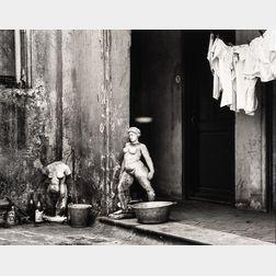 André Kertész (Hungarian/American, 1894-1985)      Buenos Aires, Argentina