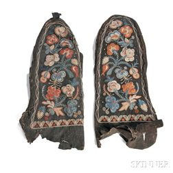 Pair of Huron Black-dyed Buckskin Mittens with Vegetal-dyed Moose Hair Embroidery
