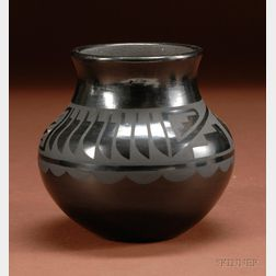 Southwest Black-on-black Pottery Bowl