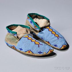 Blackfeet Beaded Hide Man's Moccasins