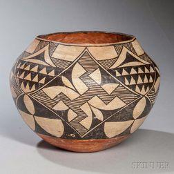 Acoma Black on White Pottery Jar