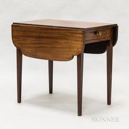 Federal Mahogany One-drawer Pembroke Table