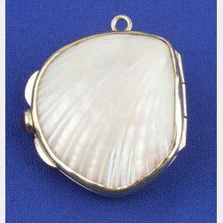 14kt Gold Shell Pendant Watch