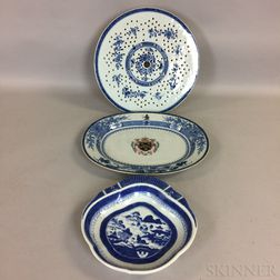 Three Pieces of Blue and White Chinese Export Porcelain