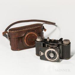 """G.A. Krauss """"Peggy"""" Model I Camera with Rare Dr. P. Rudolph Kleinbild-Plasmat Lens"""