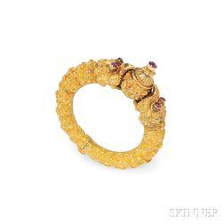 "Gold Gem-set ""Makara-head"" Bracelet"
