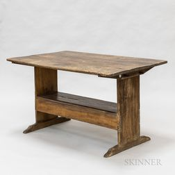 Country Maple Shoe-foot Hutch Table