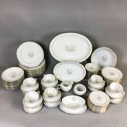 Large Hira Porcelain Dinner Service for Twelve.     Estimate $20-200