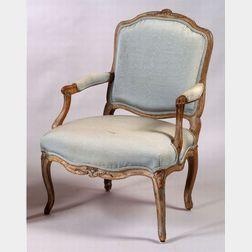 Louis XV Beechwood Fauteuil a la Reine