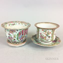 Two Rose Medallion Planters
