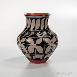 Contemporary Santo Domingo Polychrome Jar