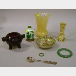 Eight Assorted Chinese Items