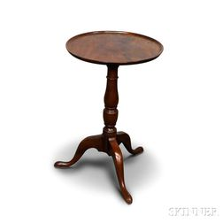 Chippendale Mahogany Dish-top Candlestand