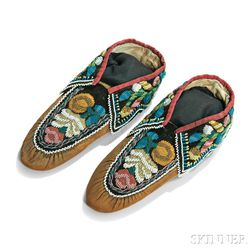 Pair of Iroquois Beaded Cloth and Hide Moccasins
