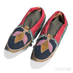Delaware Beaded Hide and Cloth Moccasins