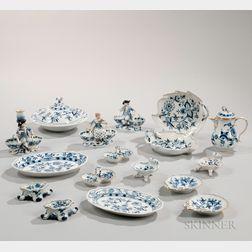 """Twenty-five Meissen """"Blue Onion"""" Pattern Porcelain Items"""