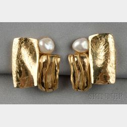 24kt and 18kt Gold and Freshwater Pearl Earclips, Alexandra Watkins, Janiye
