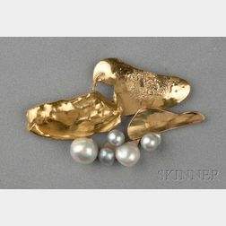 18kt Gold and Baroque Cultured Pearl Brooch, Miye Matsukata, Janiye