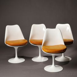 Four Eero Saarinen for Knoll Tulip Chairs