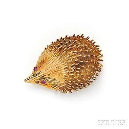 18kt Gold Hedgehog Brooch