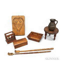 Eight Small Decorative Items