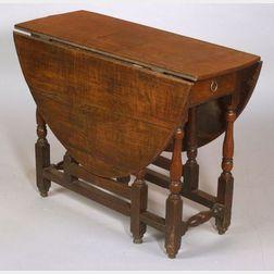 William and Mary Walnut Drop-leaf Gate-leg Table