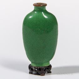 Green-glazed Porcelain Snuff Bottle
