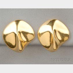 18kt Gold Earclips, Guitou Knoop