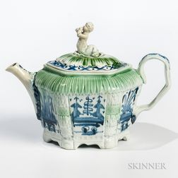 Leeds Creamware Chinoiserie-decorated Teapot