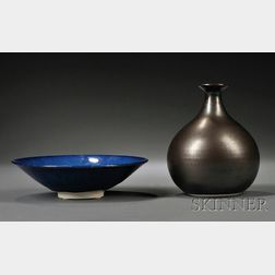 Hideaki Miyamura (Japanese/American, b. 1955) Porcelain Vase and Bowl
