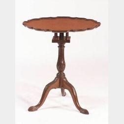 Mid Georgian Mahogany Tilt-top Tripod Table