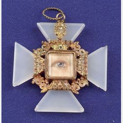 Antique 14kt Gold and Chalcedony Lover's Eye Pendant Locket