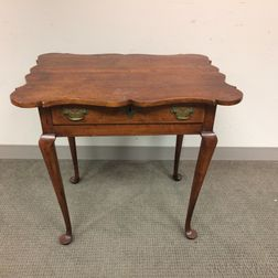 Queen Anne-style Maple One-drawer Porringer-top Tea Table