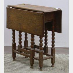 Small William & Mary Style Oak Drop-leaf Spool-turned Gate-leg Table