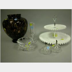 Fifteen Pieces of Assorted Decorative Glass and Porcelain